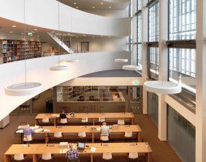 Lesesaal und Bibliotheksgalerien des BLHA