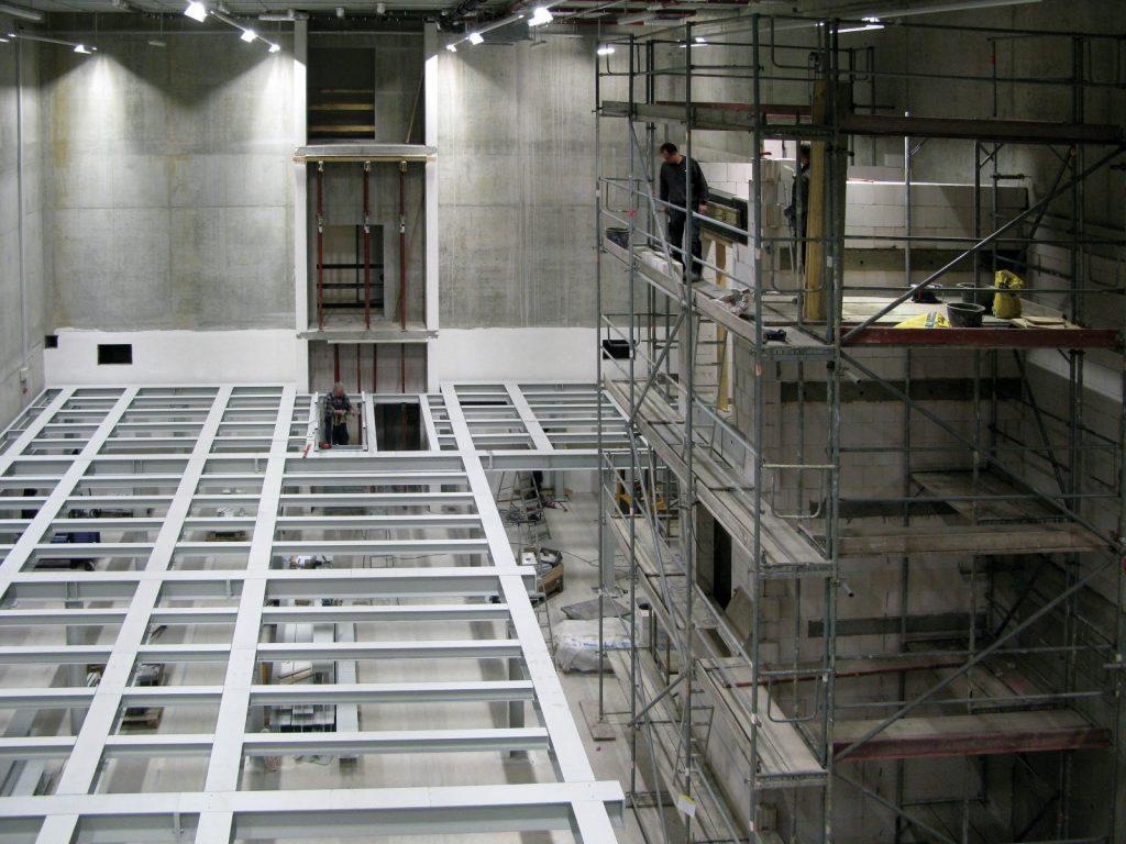 Der Bau des Aufzugschachts am neuen Standort in Golm
